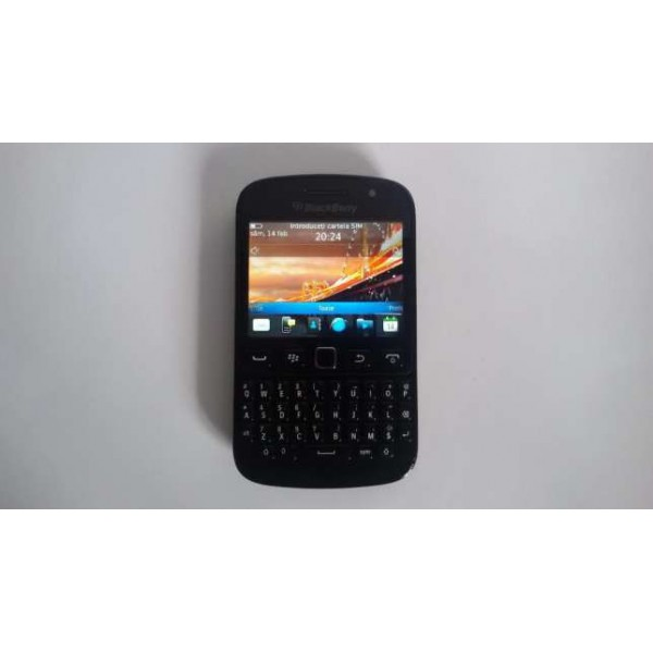 Telefon BlackBerry 9720 Touchscreen Incarcator Inclus