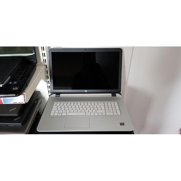"Laptop HP Pavilion 17"" AMD A10 2.1GHz RAM 4GB SSD 120GB DVD WebCam"